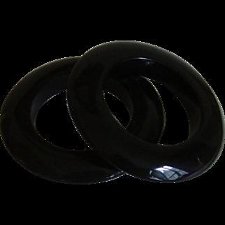 Lucite Saucer Style Bangle Bracelet Set
