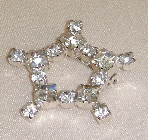 Silver-Toned Star Shaped Rhinestone Pin