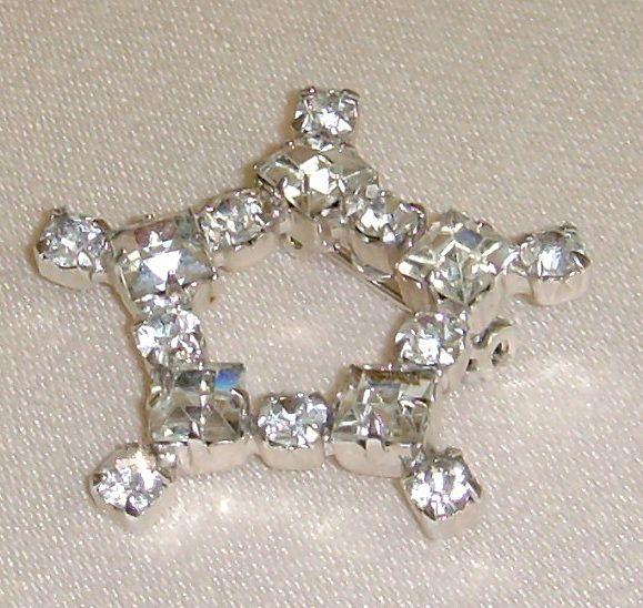 Silver-Toned Star Shaped Rhinestone Pin