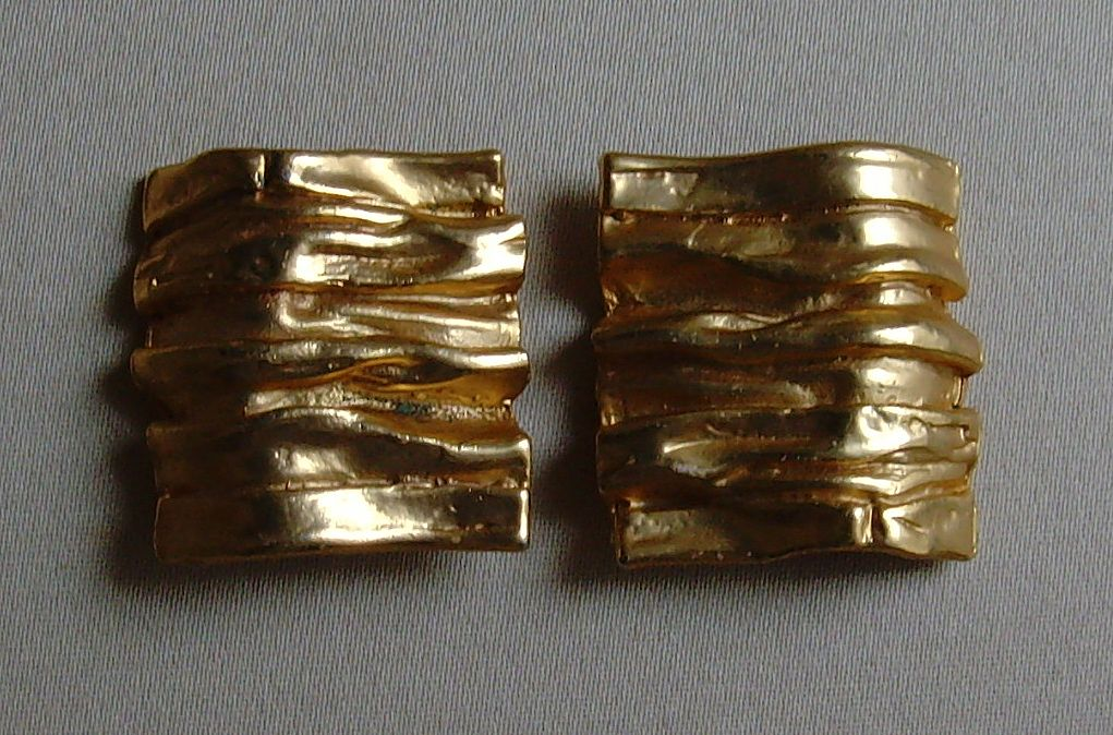 Matte Gold-Tone Wavy Design Earrings