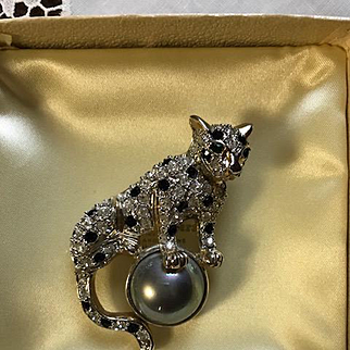 Vintage Signed KUO Snow Leopard Brooch