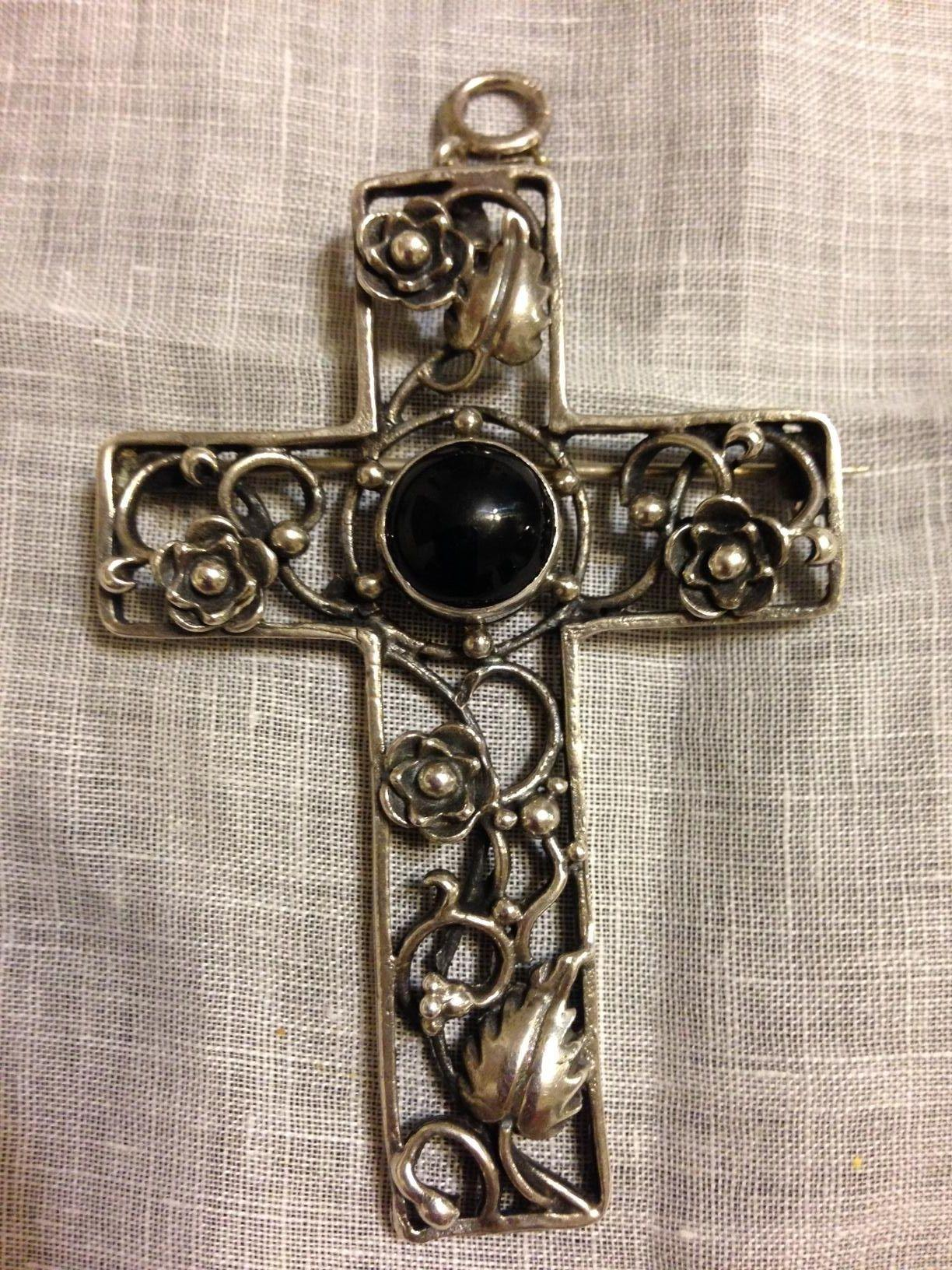 Large Floral Sterling and Onyx Cross Pendant/Brooch