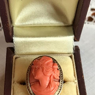 14K Art Deco Coral Carved Cameo Ring