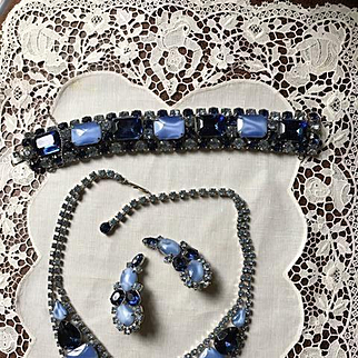 DeLizza and Elster Blue Givre Glass Parure