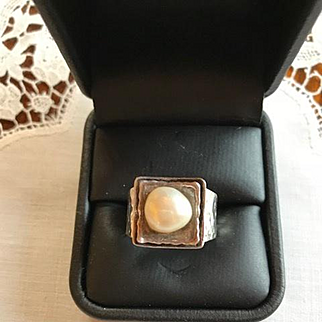 Vintage Silpada Hammered Sterling and Freshwater Pearl Ring