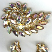 D & E (Juliana) Attributed Stunning Aurora Borealis Demi-Parure - Brooch & Earrings