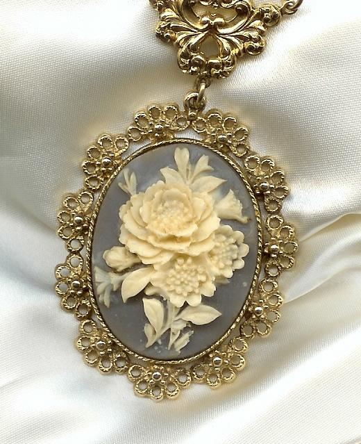 Beautiful & Delicate Ivory Color and Dove Grey Victorian Style Rose Pendant & Chain