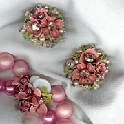 Vintage Vibrant Pink Necklace & Earrings - Must See Close-up of Centerpiece on Necklace!
