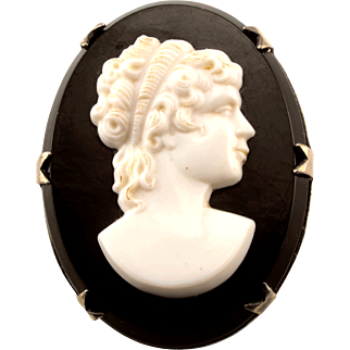 Black and White Onyx Cameo Brooch