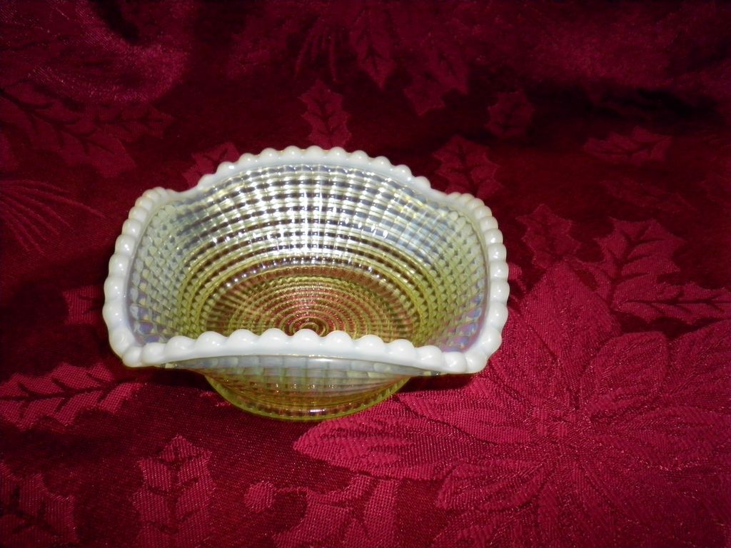 Circa 1902 Northwoods Opalescent Vaselin Glass Bowl /  Dish