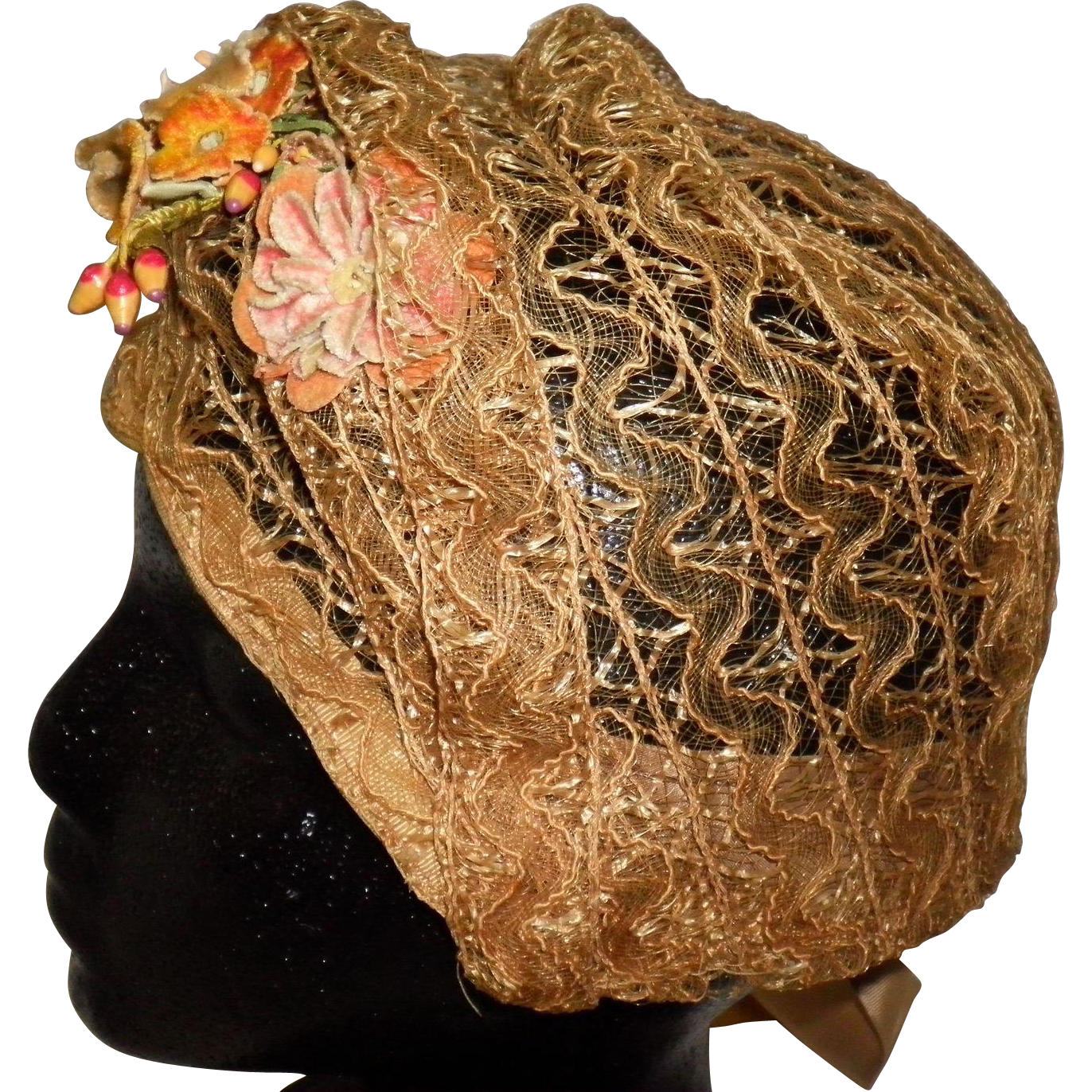 1920's Woven Cloche Hat With Flowers