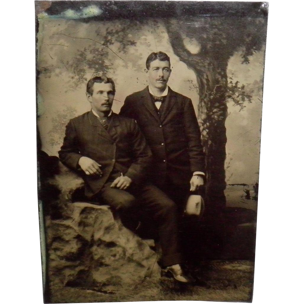 Antiaue Tintype Of 2 Nicely Dressed Gentlemen