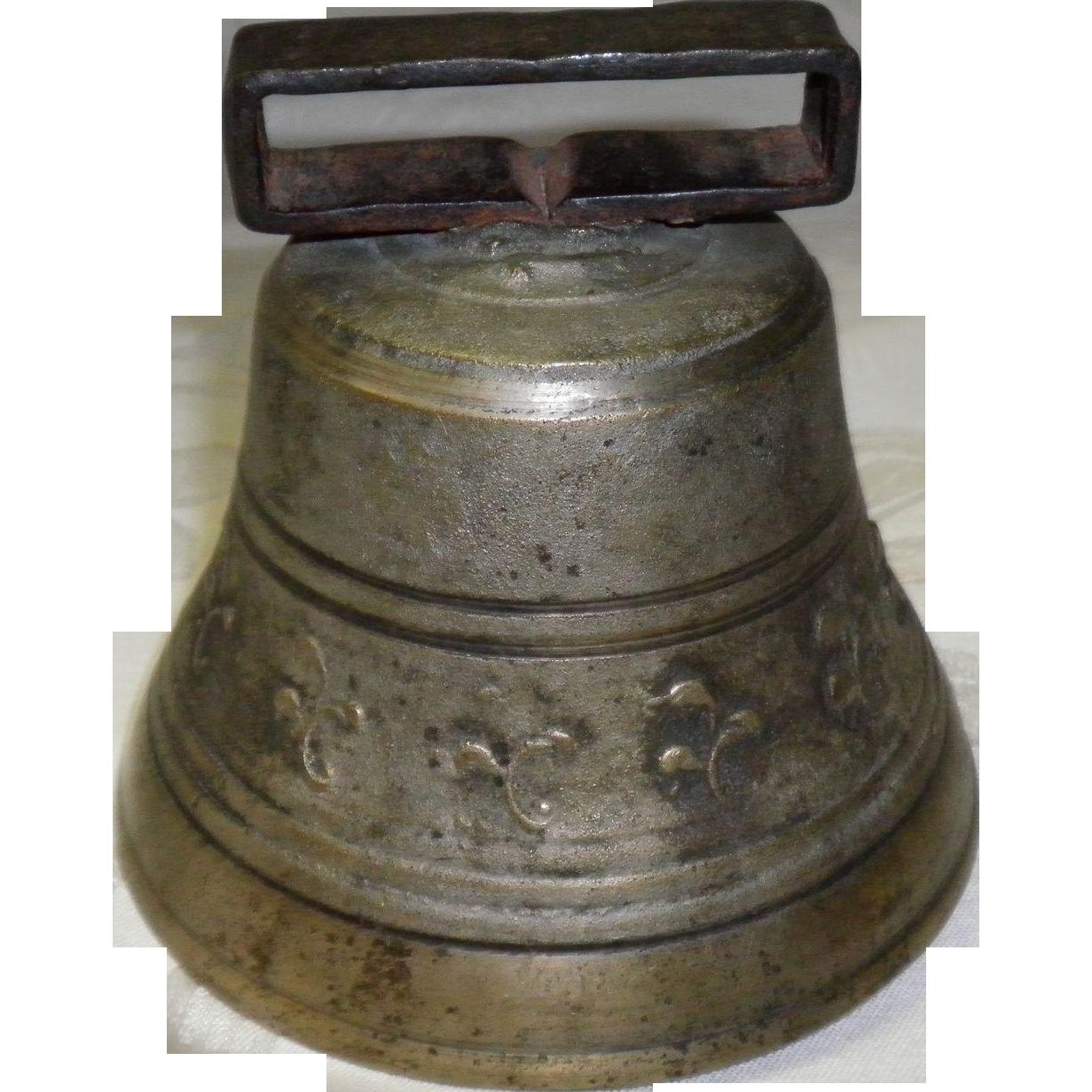 Antique Metal Farm / Cow Bell