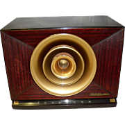 Vintage RCA Victor Golden Throat Tube Radio