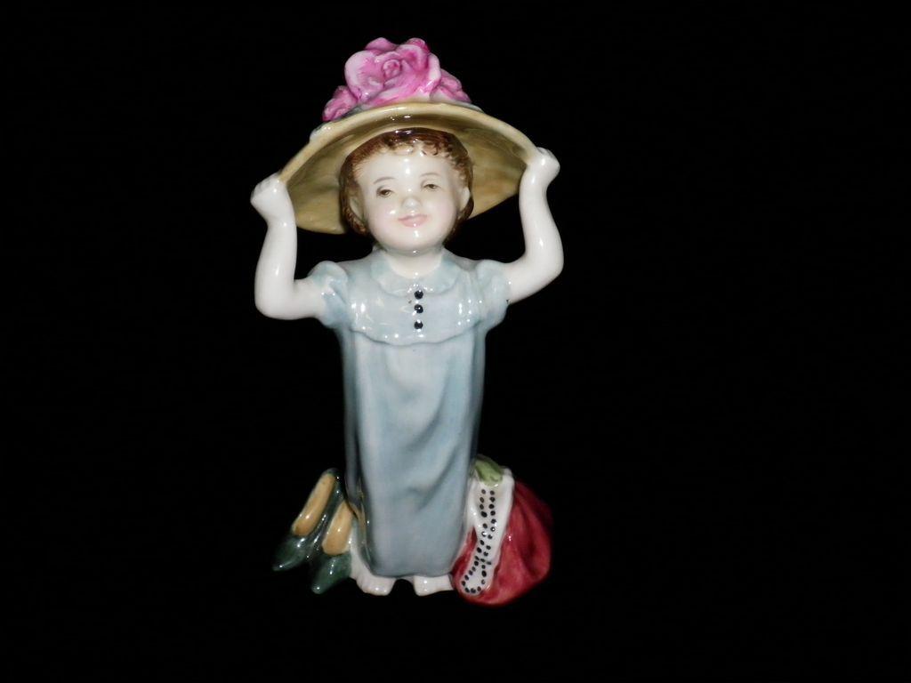 "Vintage Royal Doulton Figurine ""Make Believe"""