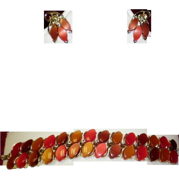 Vintage Lisner Thermoset Lucite Bracelet & Earring Set