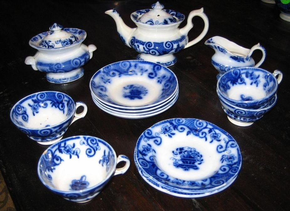 Antique Basket English Flow Blue Child's toy tea set c1850