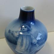 Antique Royal Bayreuth Flow Blue small vase Terrier dog