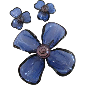 Lucite Blue Flower Brooch and Earrings