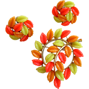 Lisner Signed Lucite Leaves Brooch Pin and Earrings Demi-Parure Set Thermoset Orange Green Leaf