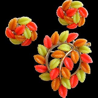 Lisner Signed Lucite Leaves Brooch Pin and Earrings Demi-Parure Set Theroset Orange Green Leaf