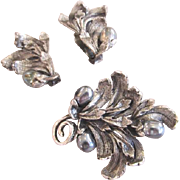 Tortolani Gray Baroque Simulated Pearl Brooch and Earrings Set in Silver Plate Demi Parure
