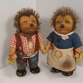 A Pair Of Small Mecki And Micki Hedgehog Dolls With All IDs