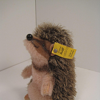 Steiff's Begging Mohair and Dralon Joggi Hedgehog With IDs