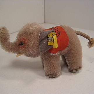 Stiff's Smallest Standing Grey Mohair Elephant With All IDs