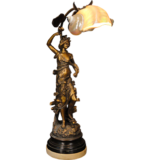 Gorgeous French Art Nouveau Flower Lady Figural w/ Marmoratus Shell Shade