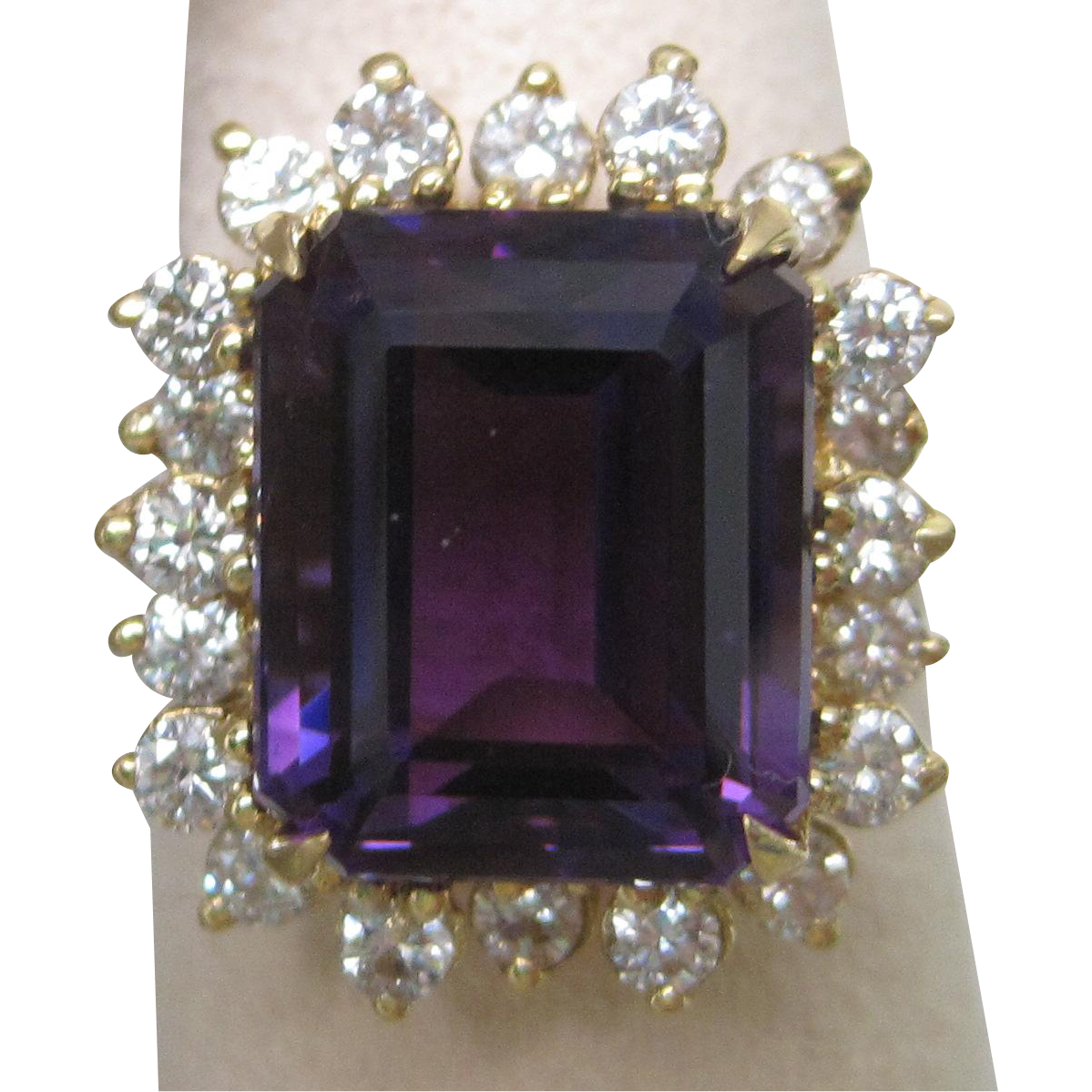 Amethyst & Diamond 18K Yellow Gold Ring