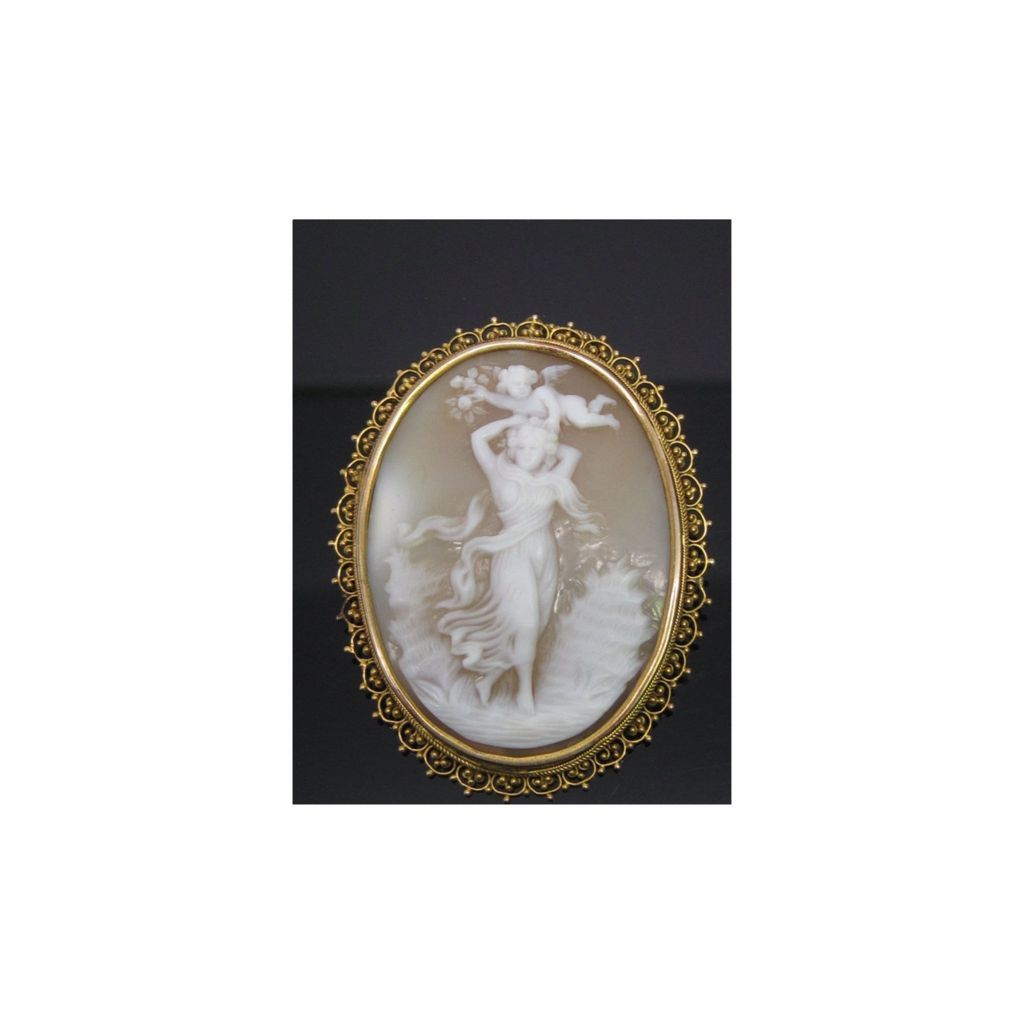 Outstanding Shell Nude Cameo Pin/Pendant