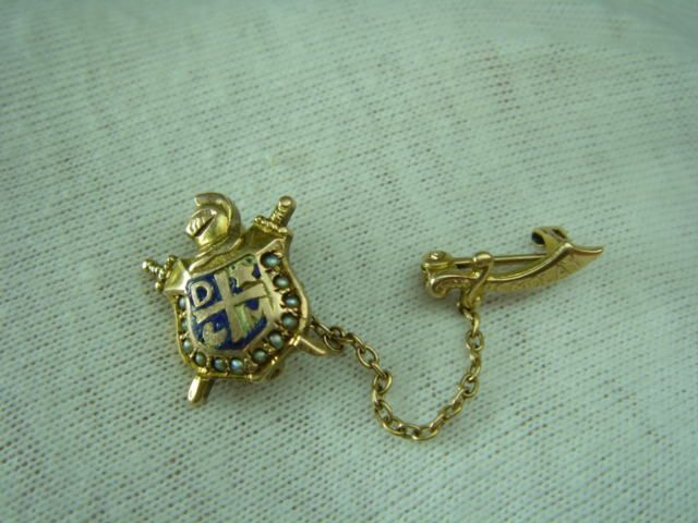 Vintage 10K Gold Masonic Crest Pearl Enamel DeMolay Pin