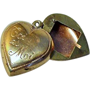 "French ""Toi et Moi"" Heart Slide Charm Locket w Picture Frame in Brass"