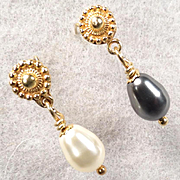 Venus At A Mirror Earrings Black And White Swarovski Crystal Pearls 24K GV Posts