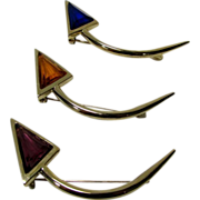 Vintage Hobe Three Piece Set of Arrow Pins in Goldtone With Jewel Toned Poured Glass Enhancements