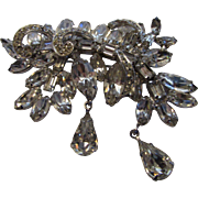 Vintage Weiss Pin Featuring A Variety Of Stones