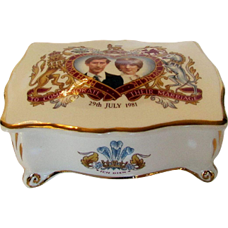 Prince Charles and Lady Diana Marriage Commemorative Lidded Box 1981