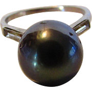 10 Karat White Gold Ring With Tahitian Cultured Black Pearl