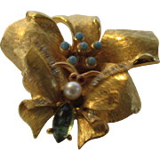 Vintage Signed Art Flower Pin With Butterfly Tremblant