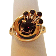 10 Karat Yellow Gold  Retro Garnet RIng