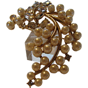 Vintage Crown Trifari Mid Century Goldtone Pin With Faux Pearls and Clear Crystals