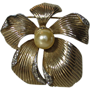 Vintage Signed Jomaz Goldtone Pin In Flower Form with Faux Pearl Center