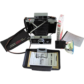 Polaroid Land Camera Model 250