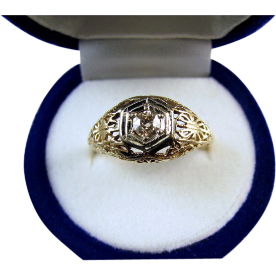 Vintage Art Deco 14k .16 carat diamond filigree engagement ring size 6-1/2