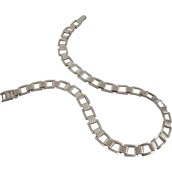 Vintage Retro Moderne sterling silver tank track tread necklace