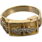 Mans vintage WW2 US Army Air Corps military Air Force 10k gold ring with eagle and wings signed Hirsch and Oppenheimer