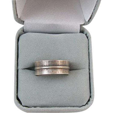 Vintage sterling silver ladies wedding band ring signed Vargas size 7