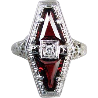Vintage Art Deco 14k white gold filigree 1.72 carat genuine garnet and diamond ring signed Belais, size 5-3/4