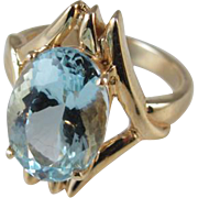 Vintage estate 14k gold 4.87 carat oval aquamarine cocktail ring, size 5.75